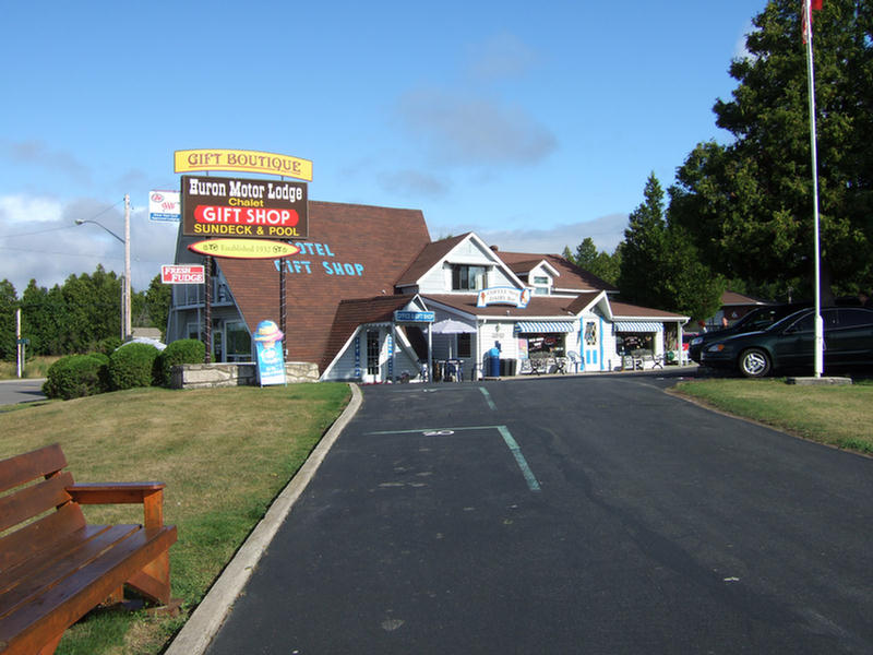 Huron Motor Lodge & Chalet Gift Shop