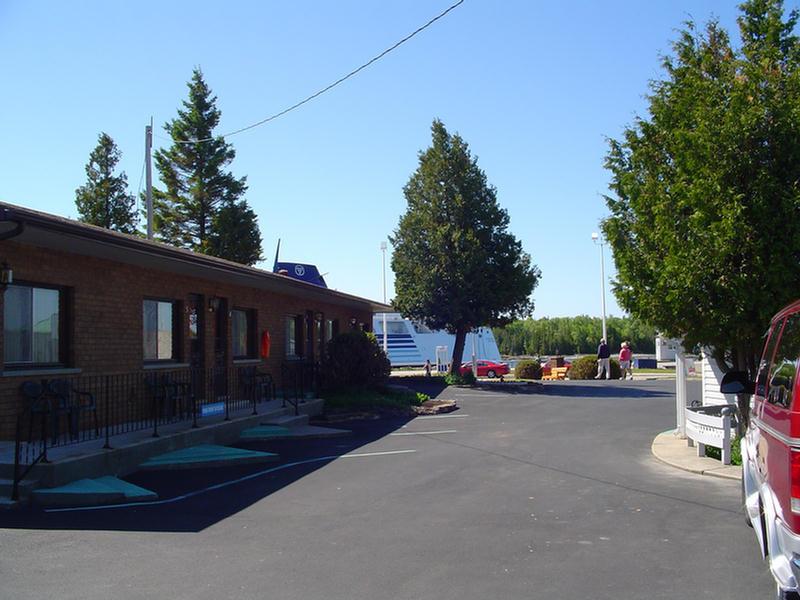 Motel units 1-6